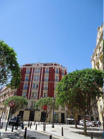 Petit Palace Ruzafa: Hotel y alrededores.