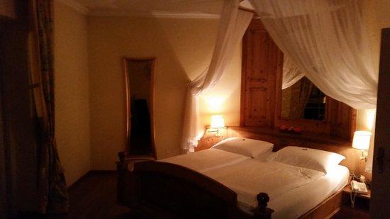 Hotel Heitzmann: room 108 wedding bedroom