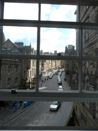 Motel One Edinburgh-Royal: quarto com vista para a cockburn street