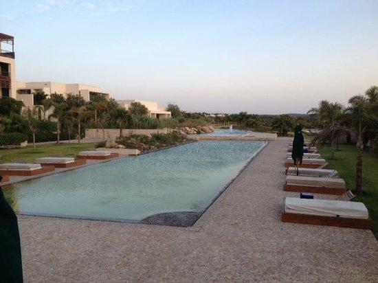 Sofitel Essaouira Mogador Golf & Spa: La psicine biologique (magnifique mais non-chauffée).