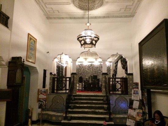 El Minzah Hotel: Lobby area