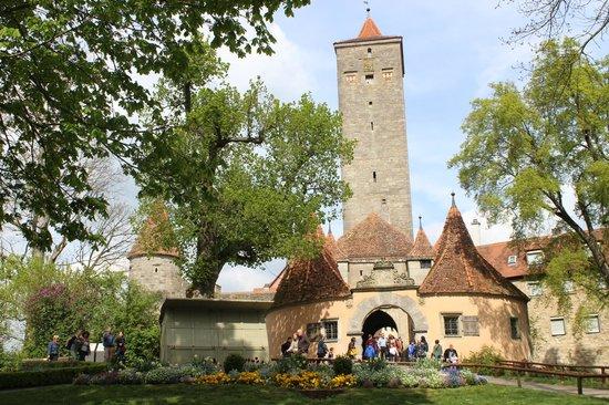Burggarten: Portão de entrada e saída