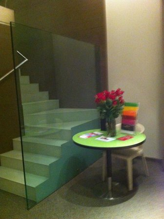 T Hotel: Staircase A113