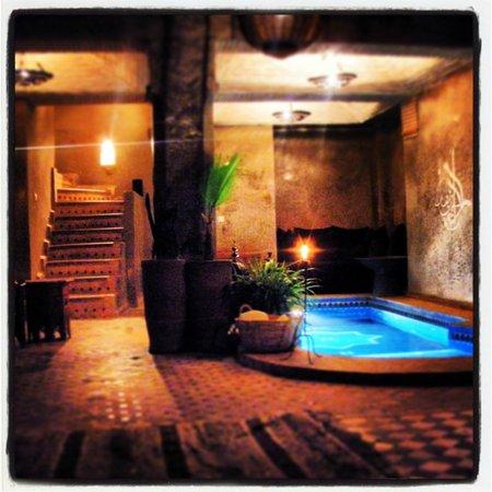 Riad Khol: la piscina