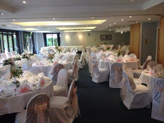 Frensham Pond Hotel: Garden Suite Wedding