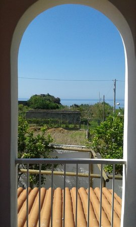 Residence Baia di Sorgeto : The view from our room
