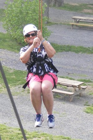 Harpers Ferry Zip Line Canopy Tour : Flying through the air