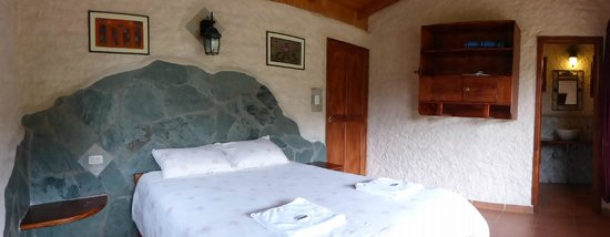 Hosteria Izhcayluma: Private cabin with en suite bath and own balcony