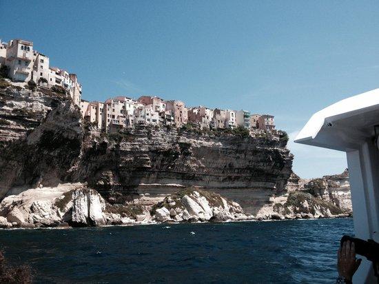 Authentic 'tour : Bonifacio from the sea