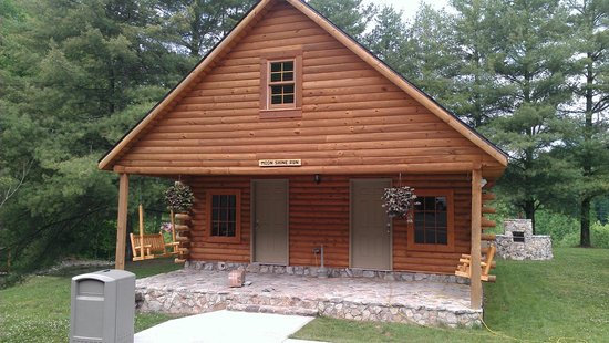 Buffalo Trail Cabins, Cottages & Campground: Moon Shine Run