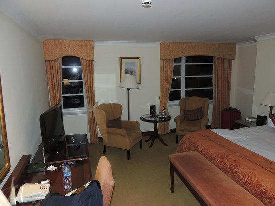 Macdonald Drumossie Hotel: King 'feature' room