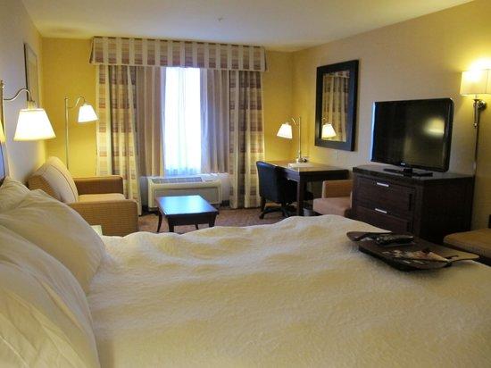 "Hampton Inn Pendleton : Room 313 includes a ""study."""