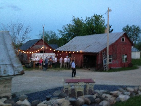 Mulberry Lane Farm: Wedding Reception outdoor bar