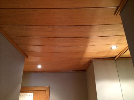 NH Valencia Center : zakt het plafond nou in?