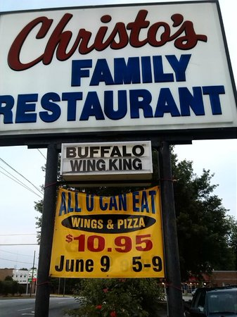Christos Family Restaurant : sign