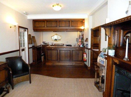 Devonport Hotel: Reception area