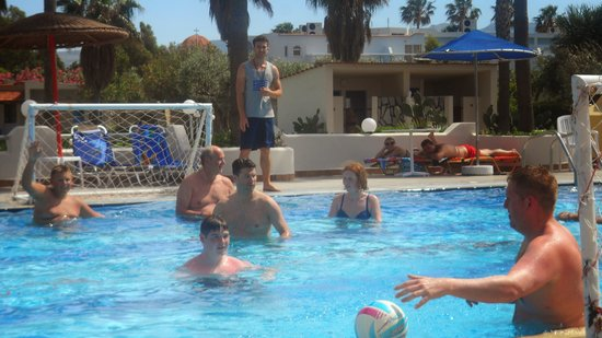 Hotel Atlantis: water polo