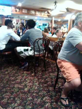 Christos Family Restaurant : inside