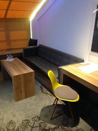 PURO Krakow Stare Miasto: Lounge area of Suite.