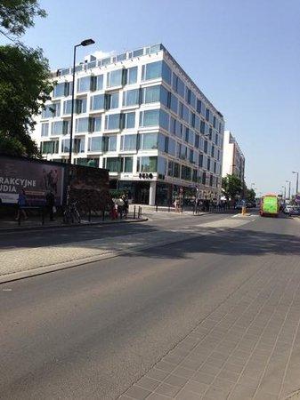 PURO Krakow Stare Miasto: View of Hotel from the Mall.