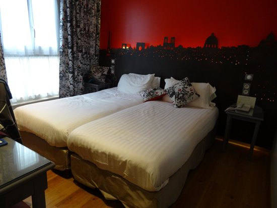 HOTEL ALEXANDRIE : Petite chambre