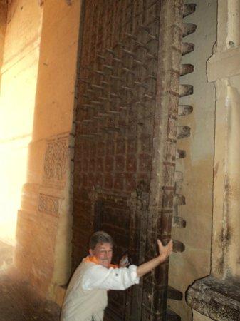 Forteresse de Meherangarh : Massive doors with spikes
