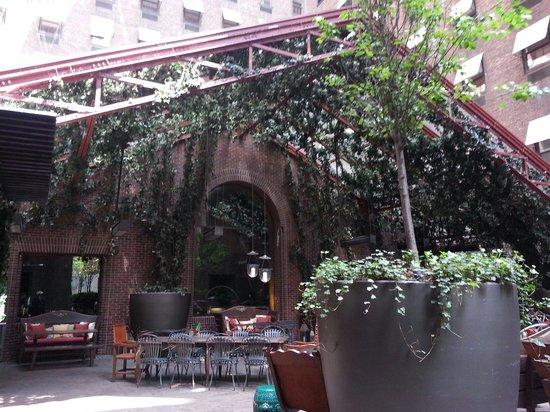 Hudson Hotel New York : Veranda esterna