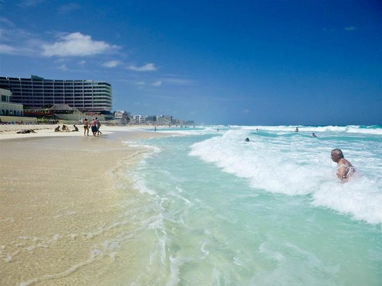 GR Solaris Cancun: Beach