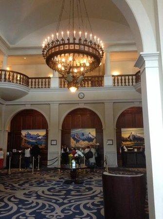 Fairmont Chateau Lake Louise: wonderful hotel
