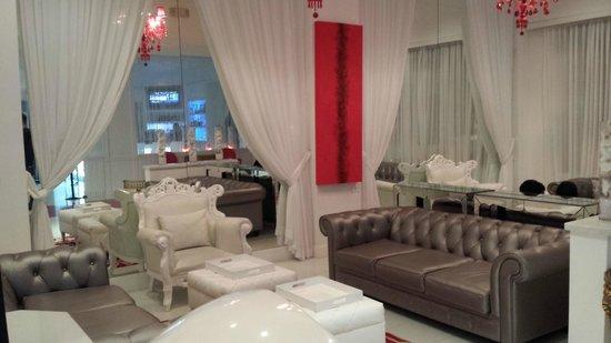 Red South Beach Hotel: Hotel Lobby