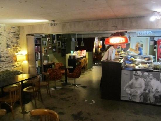 Retro interieur - Bild von Ancien Cinema Cafe-Club, Vianden ...