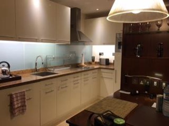Staybridge Suites Abu Dhabi Yas Island: Kitchen