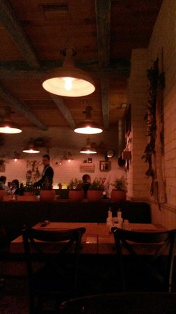 Pizzeria Roko: Very nice restaurant.  Very kind staff. Better to reserve a place in advance.