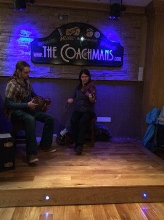 The Coachman's Bar & Restaurant: Music at the Coachmans