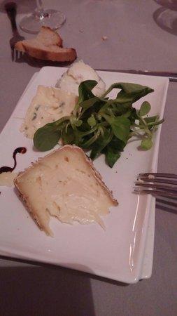 Le Nez Rouge : Fromages plateau :  échantillons de fromages