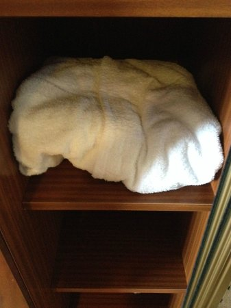 Melia Milano: The cupboard was so narrow, not even the dressing gown could fit on the shelf