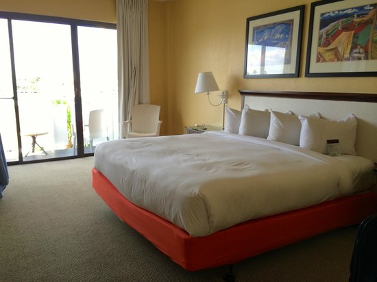 Bahia Mar Fort Lauderdale Beach - a Doubletree by Hilton Hotel : Clean and comfortable