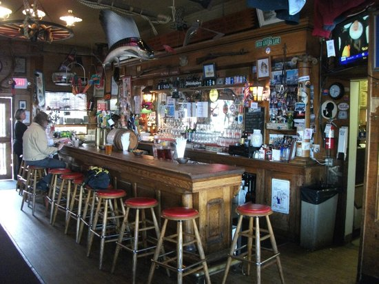 Toby's: Bar area
