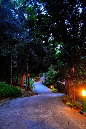 Berjaya Langkawi Resort - Malaysia: Walkway to Lobby