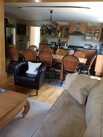 Sheen Falls Lodge : The Lounge at The Green at Sheen Falls