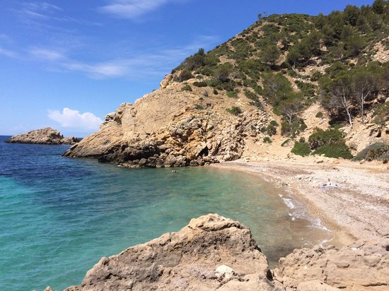 Mallorca Hiking Day Tours : The lovely secluded beach we hiked to.