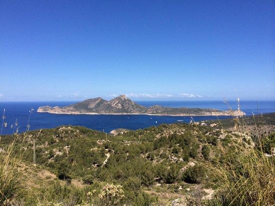 Mallorca Hiking : Dragonaire Island in the distance