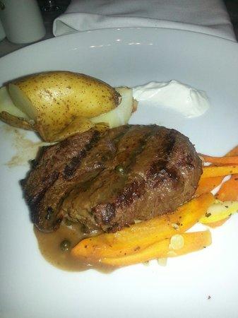 Grand Palladium Lady Hamilton Resort & Spa: Steakhouse
