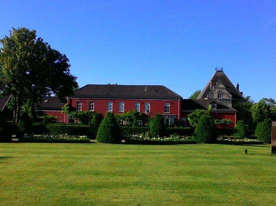 Hoogenweerth Suites: Koetshuis waar de suites zich bevinden