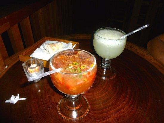 Restaurante Alma de Santa Teresa: The Pisco Sour and Sexy Sour