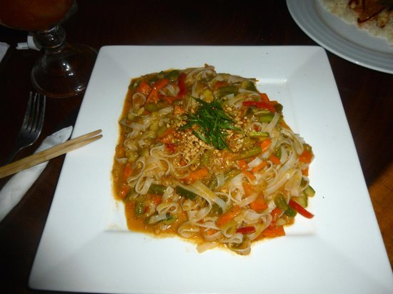 Restaurante Alma de Santa Teresa: Pad Thai