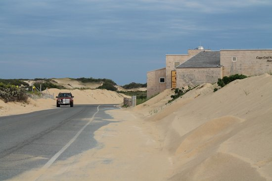 Herring Cove Beach : driving towards one of its parking area