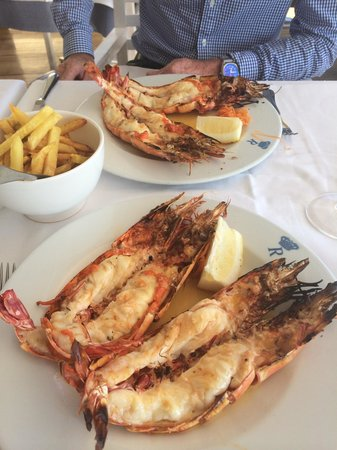 Rei das Praias: Piri piri tiger prawns. Amazing !!!