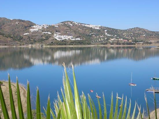 Hotel La Vinuela: Uitzicht op het meer Vinuela