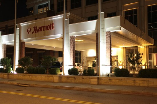 Baltimore Marriott Waterfront: Entrance